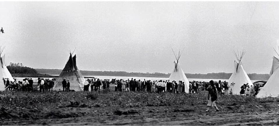 Enoch members camped on their cultural grounds in front of Yekau Lake before the land was used as a bomb practice range. (Photo: Handout/Enoch Cree Nation)