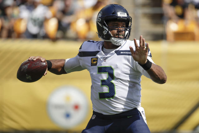 Seattle Seahawks' Russell Wilson makes adjustment, then shreds the Pittsburgh Steelers' defense