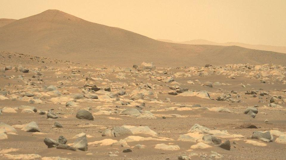 Mars landscape acquired by Nasa's Perseverance rover, using its left Mastcam-Z camera, on 27 March 2021