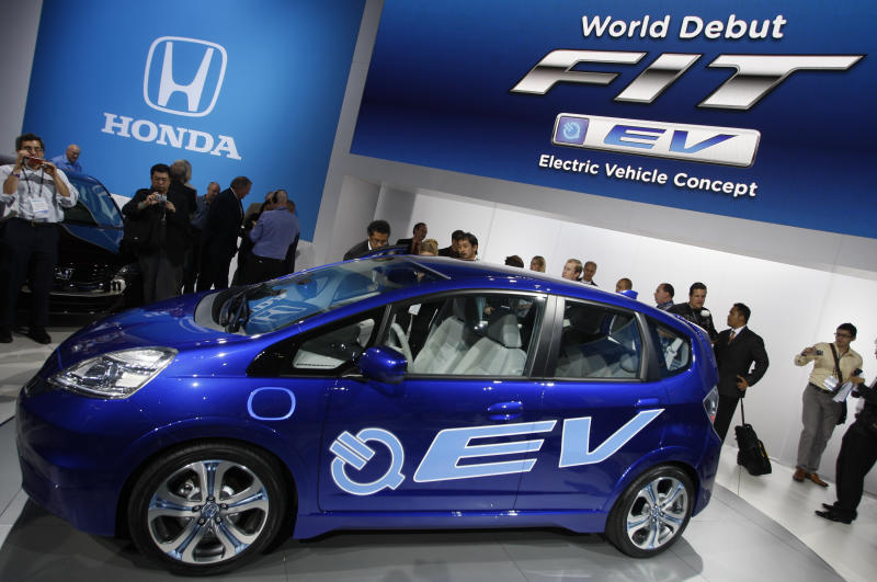 Cheap leases offered to spur electric car sales