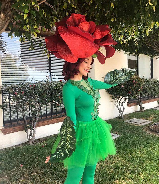 """<p>The rose (more specifically, the ~final rose~) is both beautiful <em>and</em> coveted. It also makes for a hysterical costume—that is, if you're down for a DIY night with the squad.</p><p><a href=""""https://www.instagram.com/p/BvUqAeZnE7E/"""" rel=""""nofollow noopener"""" target=""""_blank"""" data-ylk=""""slk:See the original post on Instagram"""" class=""""link rapid-noclick-resp"""">See the original post on Instagram</a></p>"""
