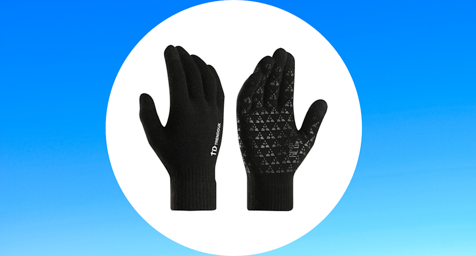 Amazon shoppers are loving these bestselling Trendoux Anti Slip Knit Touch Screen Gloves.