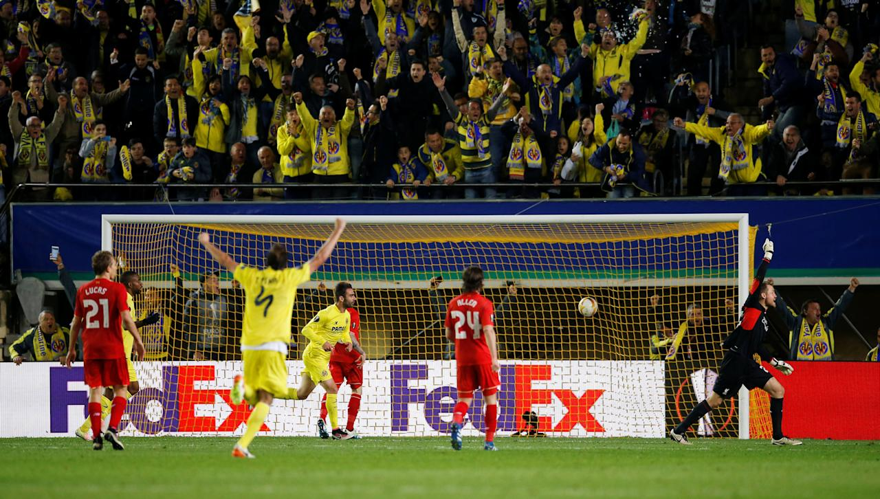 Football Soccer - Villarreal v Liverpool - UEFA Europa League Semi Final First Leg - El Madrigal Stadium, Villarreal, Spain - 28/4/16Villarreal's Adrian celebrates scoring their first goalReuters / Albert GeaLivepicEDITORIAL USE ONLY.     TPX IMAGES OF THE DAY