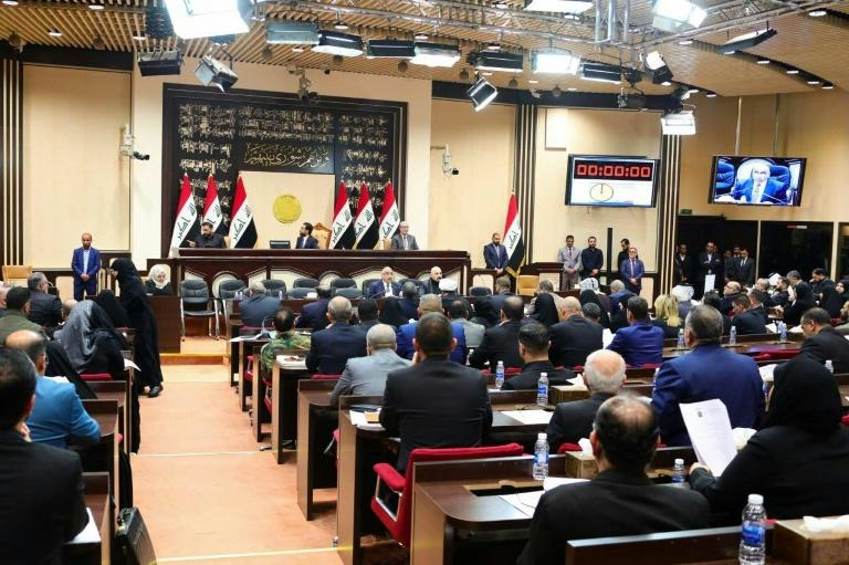 Iraqi parliament meets to discuss a motion to expel American troops (AFP Photo/-)