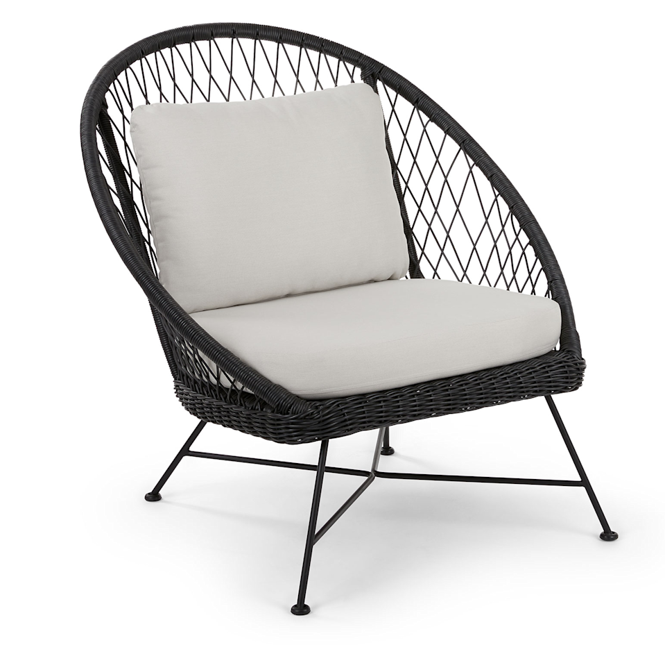 Wicker Article Chair in black with white cushion