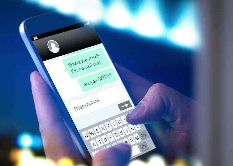 <p>Parents are always complaining that children often ignore their messages. (Shutterstock)</p>