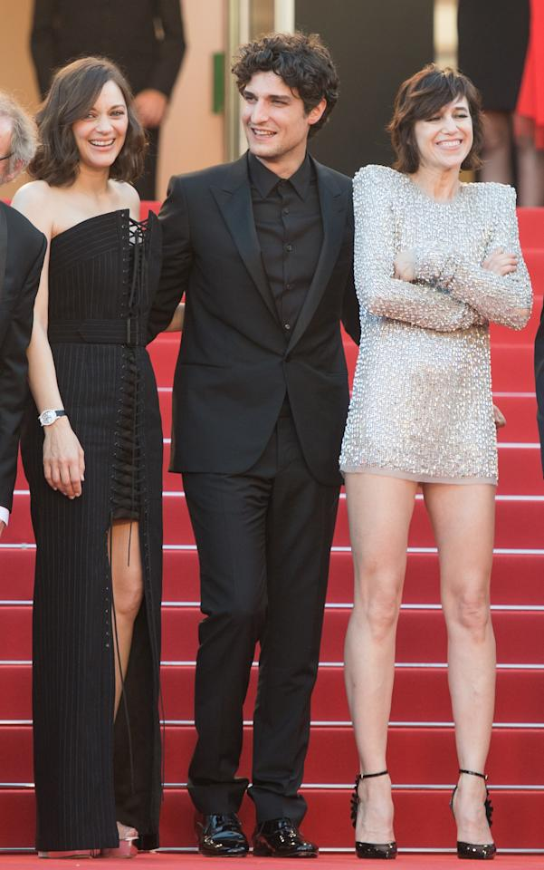 <p>The ladies love a man in head-to-toe black (see: Johnny Cash). Even at a black-tie event, it works.</p>