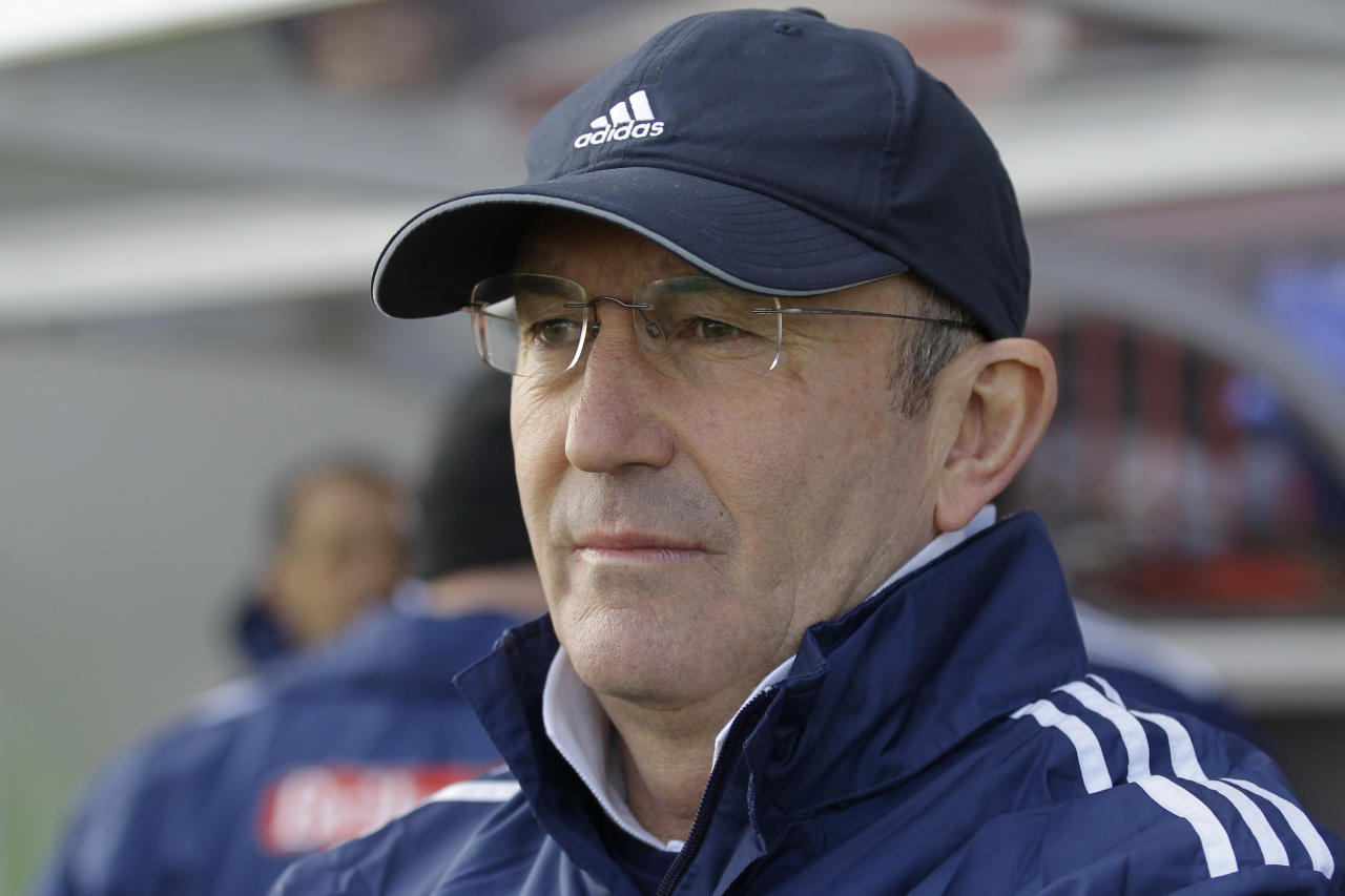 Stoke City's manager Tony Pulis looks on from the dug-out before the start of their English FA Cup fifth round soccer match against Crawley Town at Broadfield Stadium, Crawley, England, Sunday, Feb. 19, 2012. (AP Photo/Sang Tan)