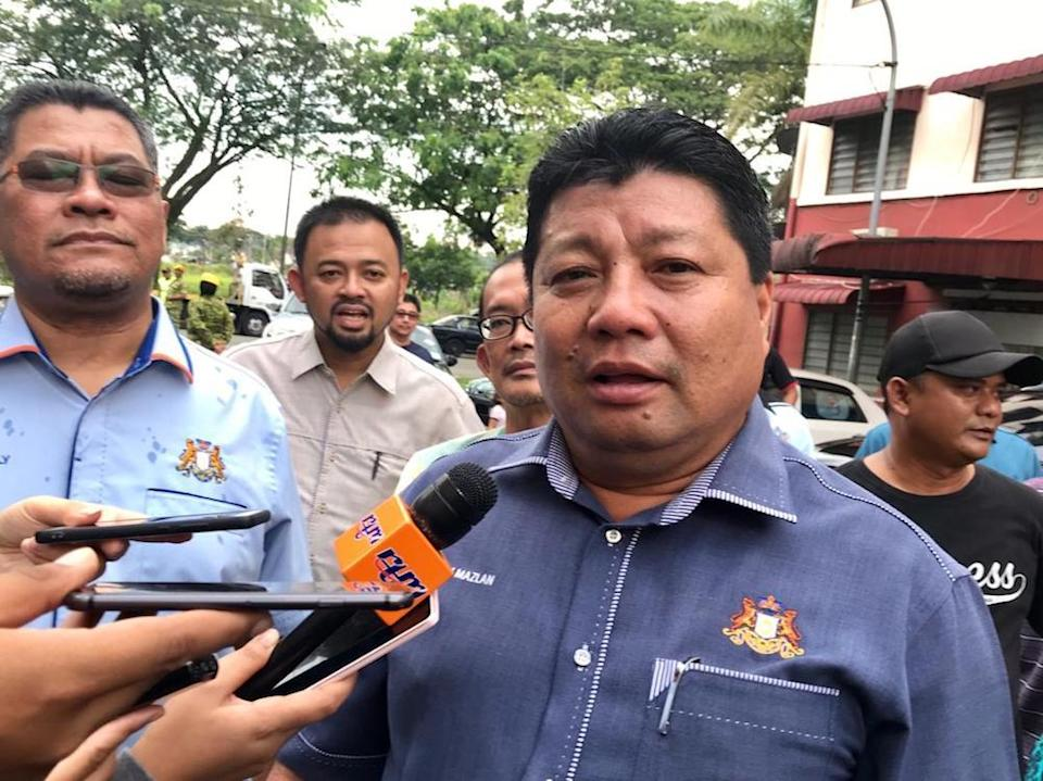 Mazlan Bujang who is a part of Hasni's state executive council, says Hasni is an exemplary leader. — Picture by Ben Tan