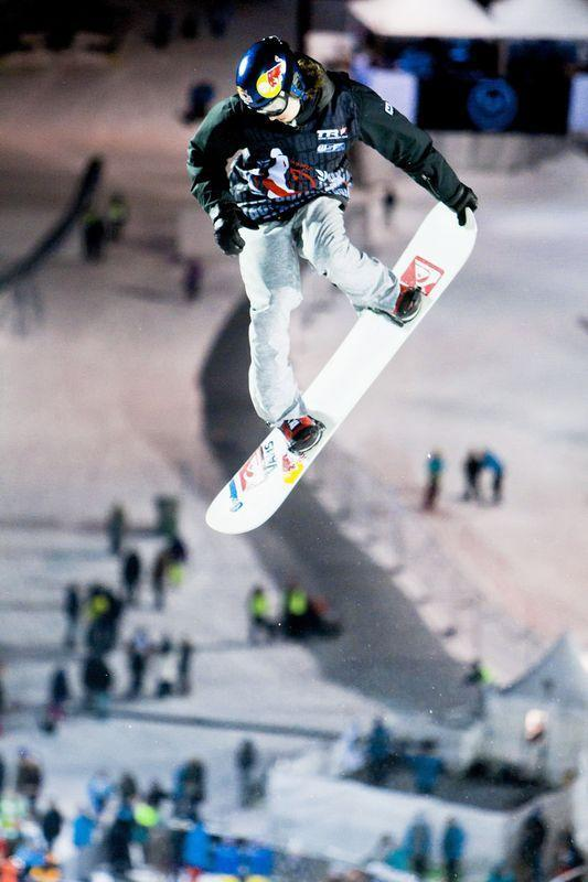 Switzerland's Iouri Podladtchikov jumps during the Semifinale halfpipe event at the World Snowboard Championships 2012 in Oslo on Feburary 16, 2012. AFP PHOTO / Krister Soerboe / SCANPIX NORWAY