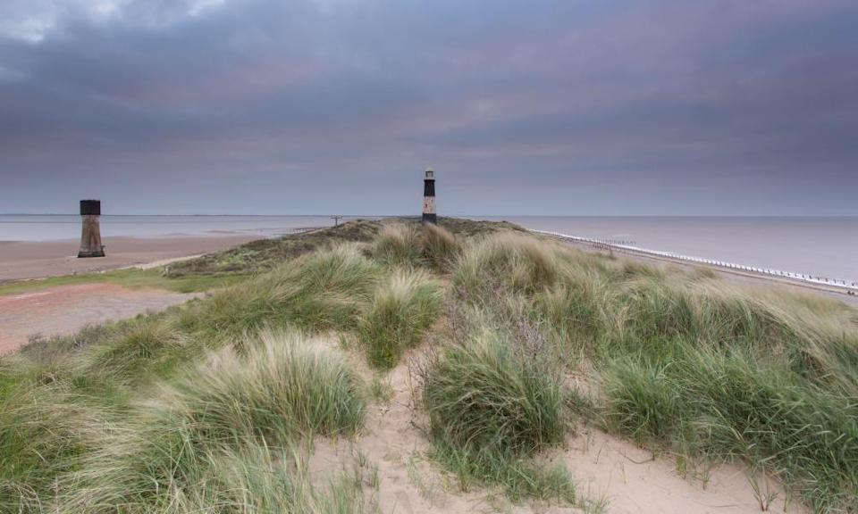 Peninsulas and headlands, like Spurn Point in East Yorkshire, are good places to see large flocks of birds.