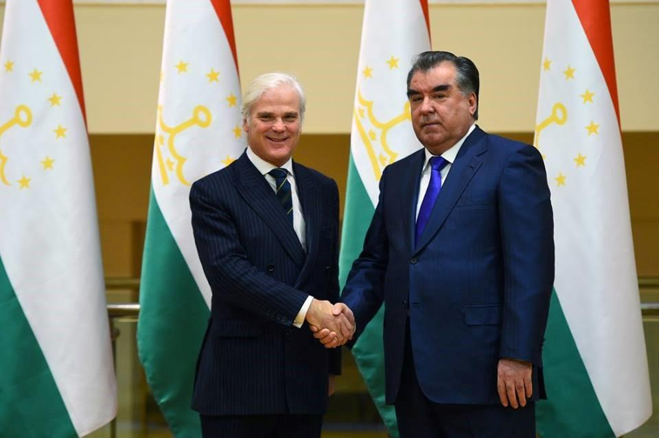 DUSHANBE, TAJIKISTAN - FEBRUARY 17: British Minister of State for International Development Desmond Swayne (L) shakes hands with Tajikistan's President Emomali Rahmon (R) during his official visit in Dushanbe, Tajikistan on February 17, 2016. (Photo by Tajikistan Presidency Press Office/Anadolu Agency/Getty Images)