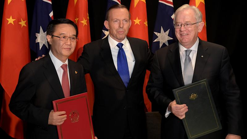 Aust, China sign free trade deal