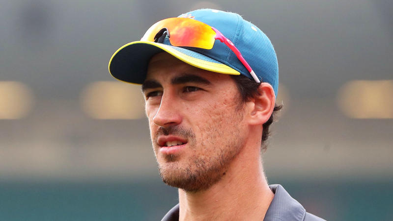 Mitchell Starc looks on during the third day of the third cricket Test match between Australia and New Zealand at the Sydney Cricket Ground in Sydney on January 5, 2020. (Photo by JEREMY NG / AFP)