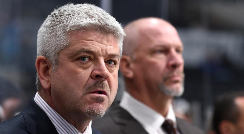 Los Angeles Kings head coach Todd McLellan bench boss did not hold back while discussing the play of his team to the media following a third-straight loss on Sunday. (Photo by Juan Ocampo/NHLI via Getty Images)
