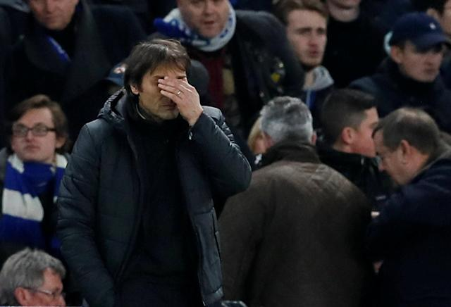 Soccer Football - Champions League Round of 16 First Leg - Chelsea vs FC Barcelona - Stamford Bridge, London, Britain - February 20, 2018 Chelsea manager Antonio Conte reacts REUTERS/David Klein