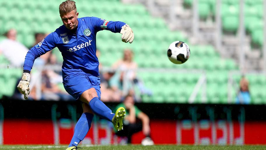 <p>Frank de Boer is a keen admirer of Padt's ability, having watched the Dutchman perform impressively for Groningen in the Eredivise whilst managing his own Ajax team. de Boer will also be aware of Padt's capabilities, as the player signed his first professional contract with Ajax back in 2008.</p> <br /><p>The 27-year-old is a solid, dependable goalkeeper who is comfortable with the ball at his feet, which is set to be a vital asset as de Boer looks to implement a passing from the back style, and could be an interesting option for Palace.</p>
