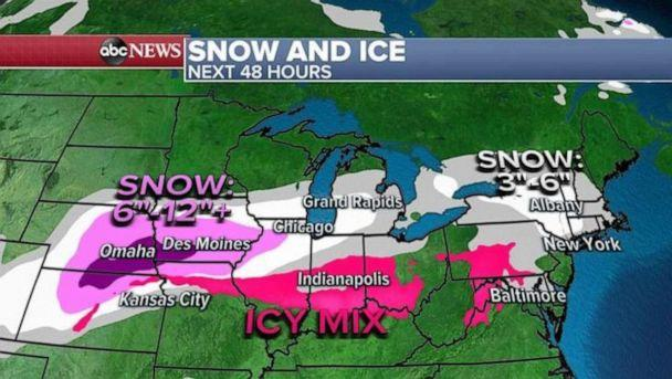 PHOTO: The heaviest snow will be from Nebraska to Iowa where locally more than a foot of snow is possible and up to 8 inches is expected in Chicago with 3 to 6 inches in Michigan. (ABC News)