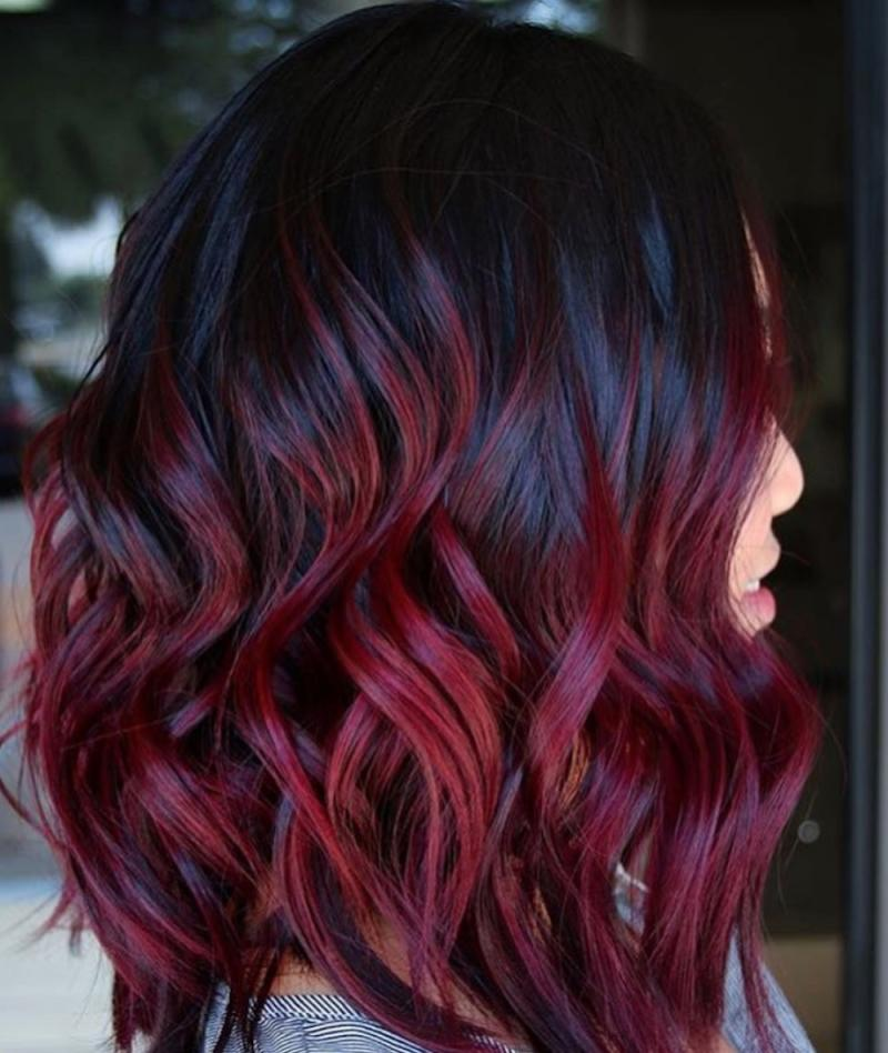 The 90s Mulled Wine Color Is Back And Now We Really Want To Dye Our Hair Dark Cherry Red