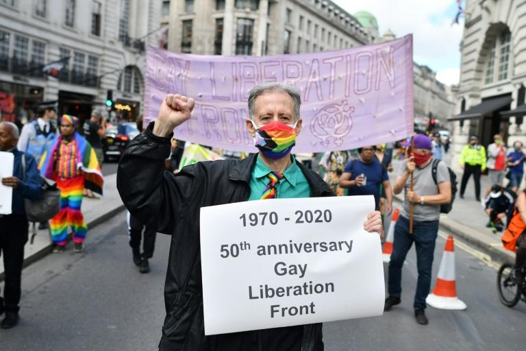 British gay rights activist Peter Tatchell jonied other veteran campaigners to mark the 50th anniversary of the founding of the London Gay Liberation Front (AFP Photo/JUSTIN TALLIS)