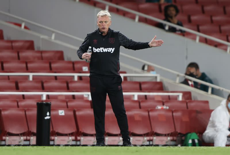 West Ham boss Moyes still calling the shots despite positive COVID-19 test