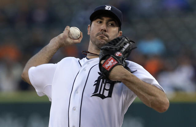 Detroit Tigers starting pitcher Justin Verlander throws against the Seattle Mariners in the first inning of a baseball game in Detroit, Wednesday, Sept. 18, 2013. (AP Photo/Paul Sancya)