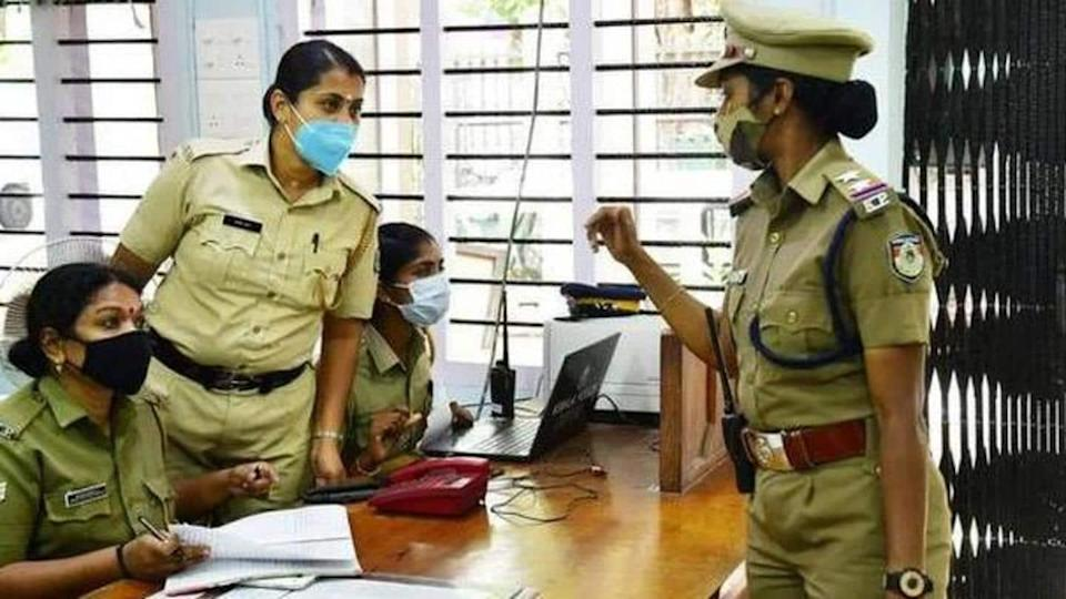 Maharashtra reduces duty hours for women cops to 8 hours