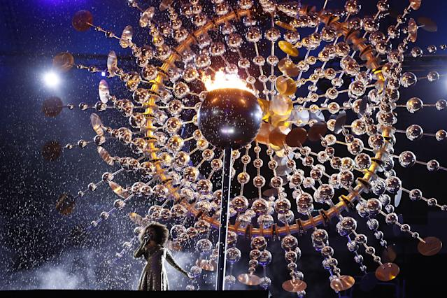 Brazilian singer Mariene De Castro performs at the Closing Ceremony of the 2016 Olympic Games in Rio. (Photo: Getty Images)