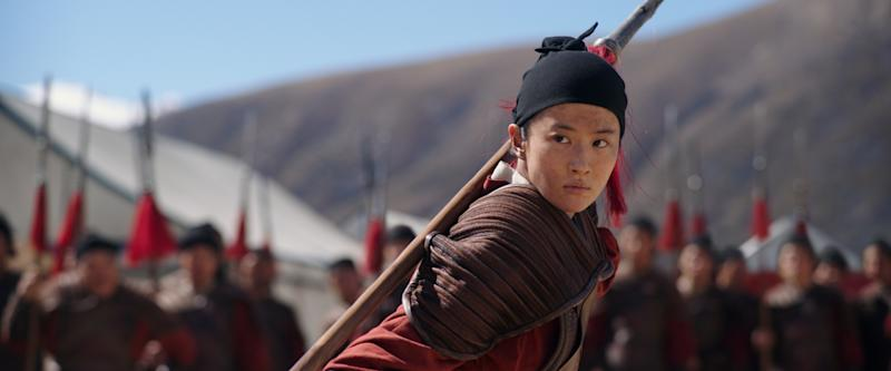 Mulan disguises herself as male soldier Hua Jun in the live action 'Mulan' (Photo: Disney Enterprises Inc.)