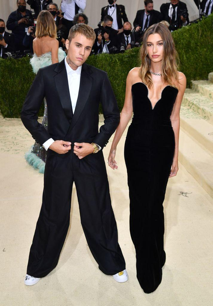 Justin Bieber wore a design from his own brand, Maison Drew, to the 2021 Met Gala. (Image via Getty Images)