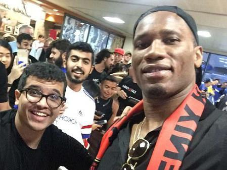 Drogba arriving at Sky Harbor Airport - the day before Yallop quit: Twitter / PHXRisingFC