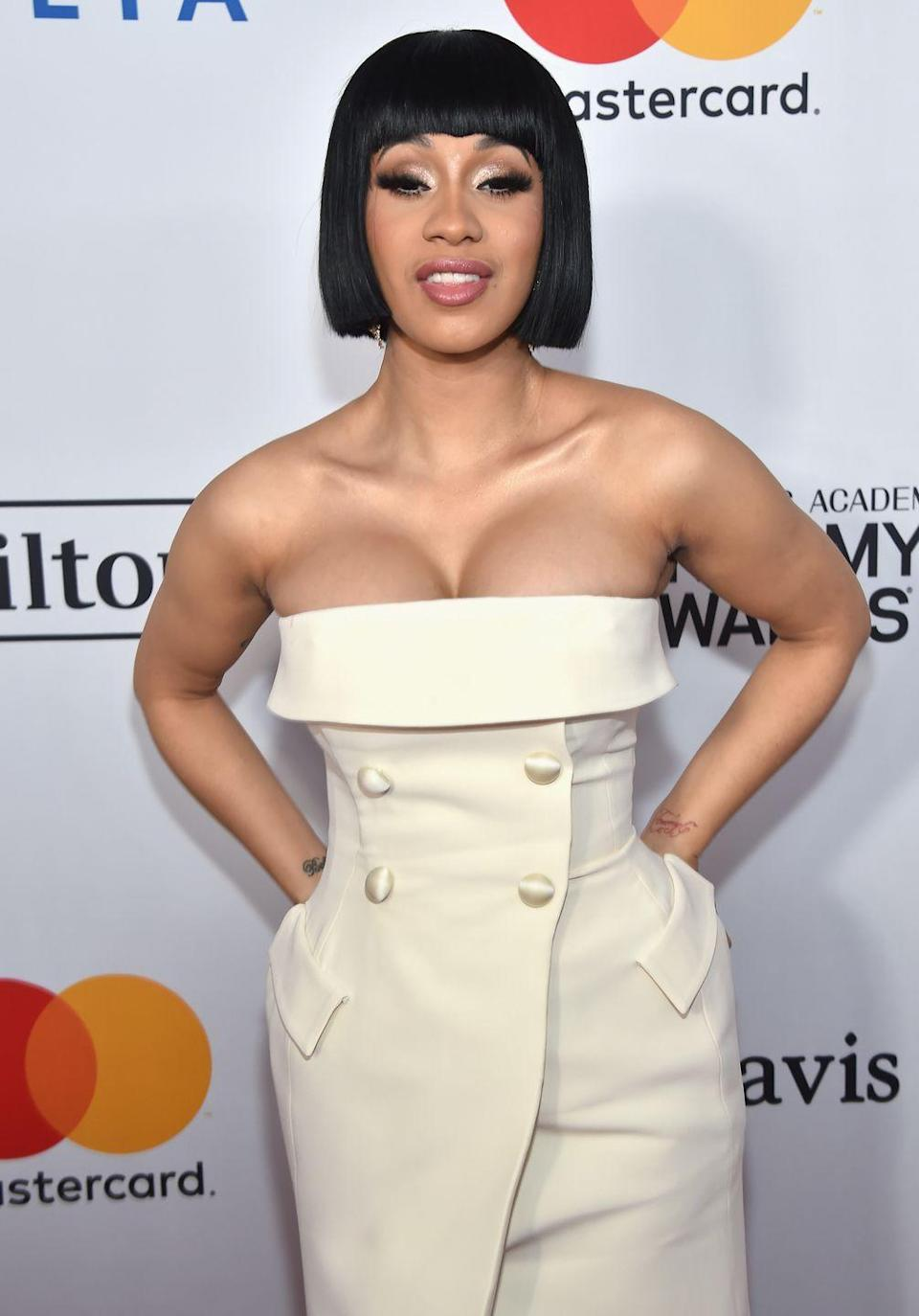 <p>Blunt bangs, blunt crop – this hairstyle is as bold and edgy as Cardi B herself. </p>