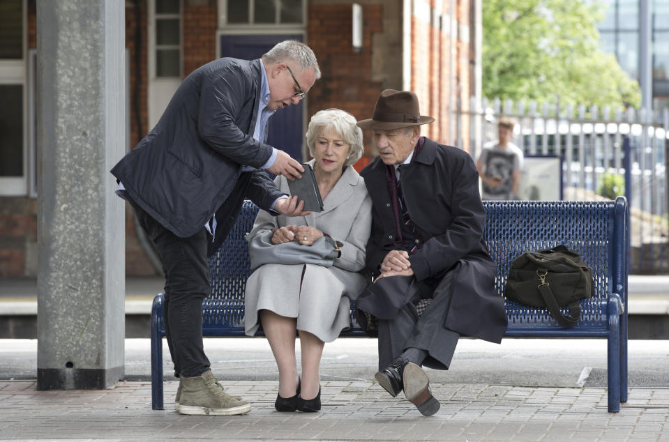 Bill Condon gives direction to Helen Mirren and Ian McKellen on <i>The Good Liar</i> (Warner Bros)