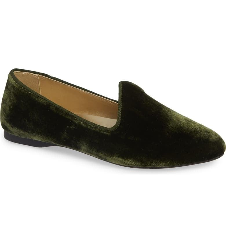 """<p>These <a href=""""https://www.popsugar.com/buy/Birdies-Heron-Flats-490001?p_name=Birdies%20The%20Heron%20Flats&retailer=shop.nordstrom.com&pid=490001&price=95&evar1=fab%3Aus&evar9=45710600&evar98=https%3A%2F%2Fwww.popsugar.com%2Fphoto-gallery%2F45710600%2Fimage%2F46608472%2FBirdies-Heron-Flats&list1=shopping%2Cnordstrom%2Cfall%20fashion%2Cshoes%2Cflats%2Cwinter%20fashion&prop13=api&pdata=1"""" rel=""""nofollow"""" data-shoppable-link=""""1"""" target=""""_blank"""" class=""""ga-track"""" data-ga-category=""""Related"""" data-ga-label=""""https://shop.nordstrom.com/s/birdies-the-heron-flat-women/5105385?origin=keywordsearch-personalizedsort&amp;breadcrumb=Home%2FAll%20Results&amp;color=olive%20velvet"""" data-ga-action=""""In-Line Links"""">Birdies The Heron Flats</a> ($95) are the most comofortable (and stylish) shoes you'll put on your feet.</p>"""