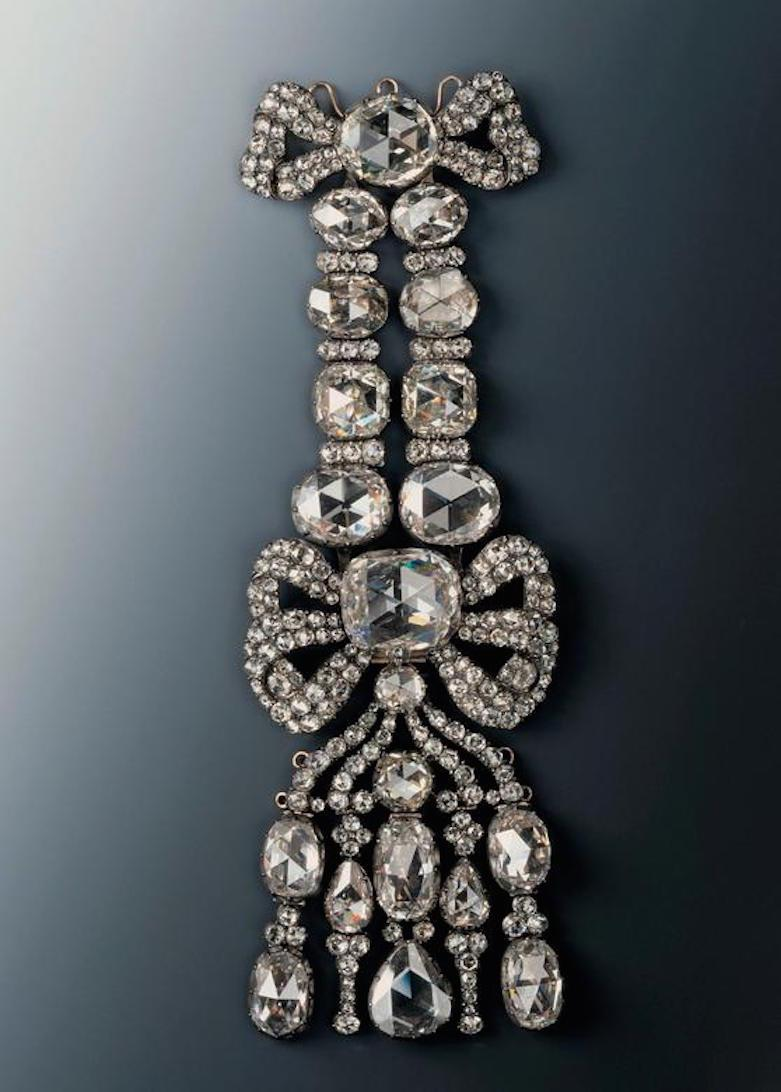 This 18th century epaulet bearing 20 large and 216 small diamonds was stolen (Picture: Reuters)