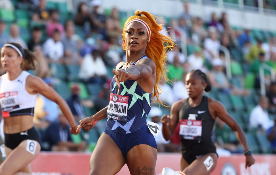 EUGENE, OR - JUNE 19:  Sha'Carri Richardson competes in the Women's 100 Meter on day 2 of the 2020 U.S. Olympic Track & Field Team Trials at Hayward Field on June 19, 2021 in Eugene, Oregon. (Photo by Andy Lyons/Getty Images)