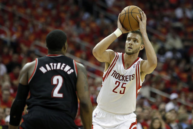 Sources: Rockets will decline Chandler Parsons' option, making him a restricted free agent