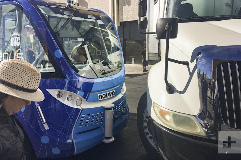 self driving bus crash vegas account 14984