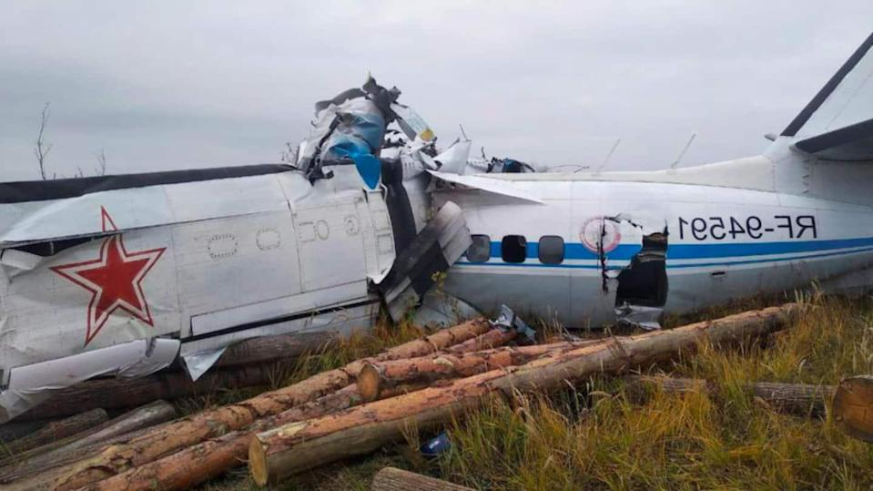 16 killed as plane carrying parachutists crashes in Russia