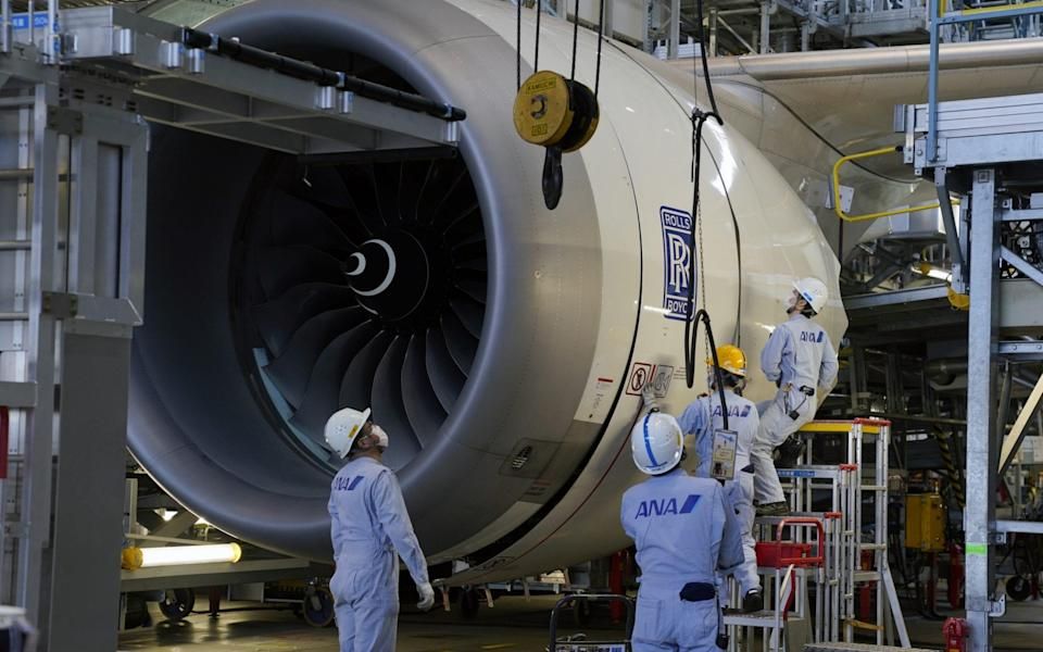 Technical staff members prepare one of the Rolls-Royce Holdings Plc engines of a Boeing Co. 787 Dreamliner aircraft - Toru Hanai/Bloomberg