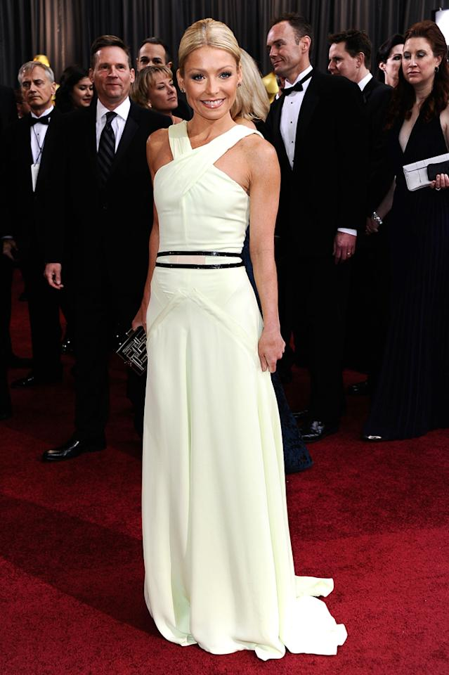Kelly Ripa arrives at the 84th Annual Academy Awards in Hollywood, CA.