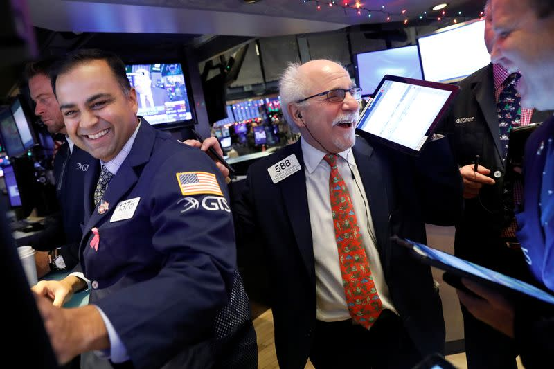 Wall Street Weekahead: Trade deal removes major hurdle for rally in Apple and tech