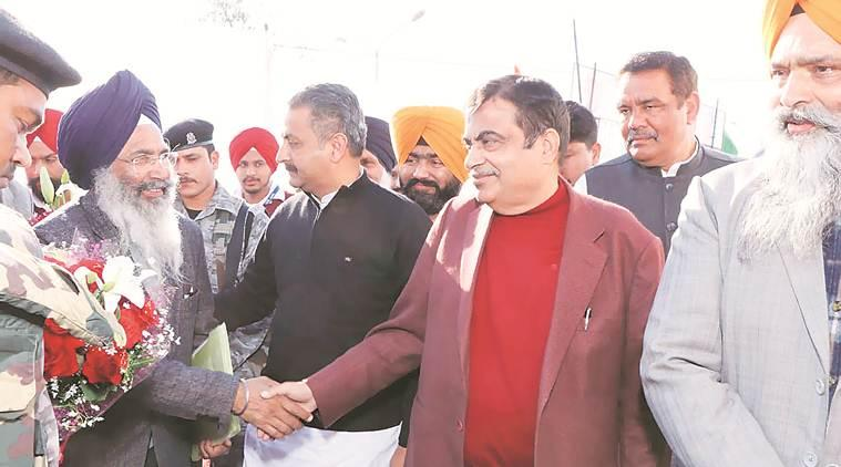 Phagwara: Stop supporting terror or you'll thirst for water, Gadkari warns Pak