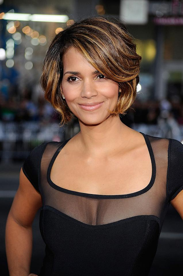 """<a href=""""http://movies.yahoo.com/movie/contributor/1800019906"""">Halle Berry</a> at the Los Angeles premiere of <a href=""""http://movies.yahoo.com/movie/1808665084/info"""">X-Men Origins: Wolverine</a> - 04/28/2009"""
