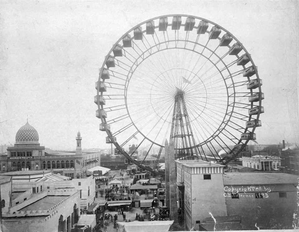 """<p>During the World's Columbian Exposition in 1893, the """"Chicago Wheel"""" was erected, featuring 36 gondolas and standing at 264 feet tall.</p>"""