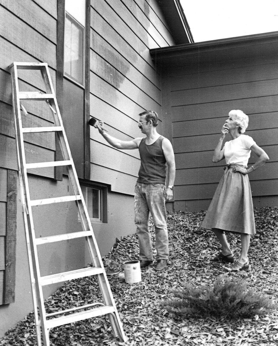 <p>An old-fashioned barn-raising or a quilting bee was nothing more than friends helping each other out. If you love to paint, and she's great at cutting hair, you both can save a bundle by trading your abilities and not having to hire someone.</p>