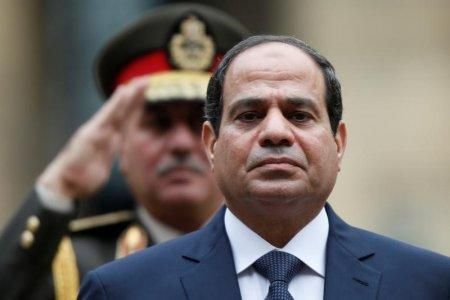 FILE PHOTO: Egyptian President Abdel Fattah al-Sisi attends a military ceremony in the courtyard of the Hotel des Invalides in Paris, France, November 26, 2014. REUTERS/Charles Platiau/File Photo