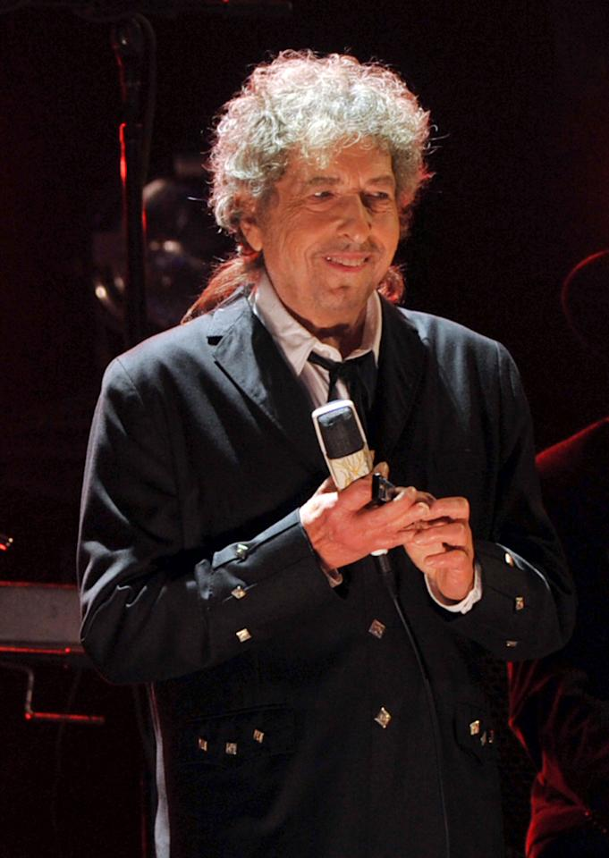 HOLLYWOOD, CA - JANUARY 12:  Musician Bob Dylan performs onstage during the 17th Annual Critics' Choice Movie Awards held at The Hollywood Palladium on January 12, 2012 in Los Angeles, California.  (Photo by Kevin Winter/Getty Images)