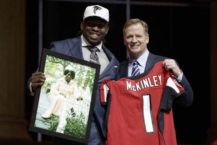 Takk McKinley with Roger Goodell on draft night. (AP)