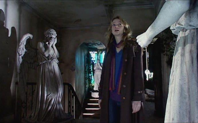 The Weeping Angels making their Doctor Who debut in Blink - BBC